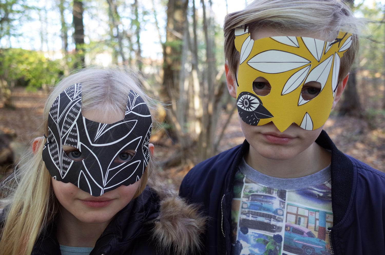 Halloween-djurmask-av-tapet-räv-uggla-midbec