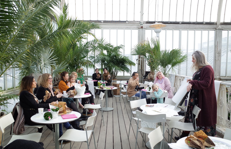Tapetfrukost-Palmhuset-Hanna-Wendelbo-Morgongåva-Midbec-Tapeter