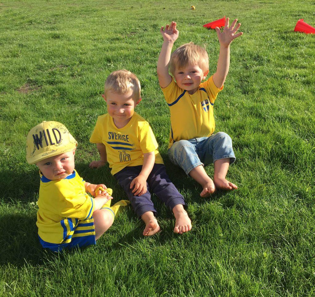 heja-sverige-fotboll-midbec-tapeter-blå-gult