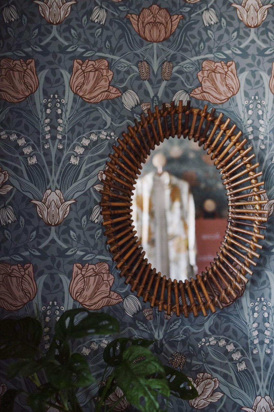 hemma-hos-sara-majorna-sovrum-spegel