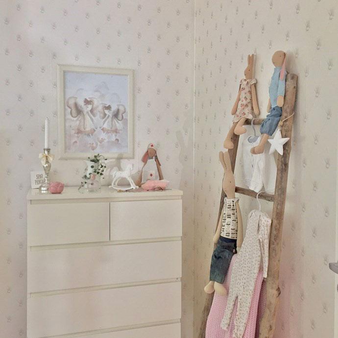 makeover-barnrum-tapet-upstairs-downstairs-midbec-barntapeter