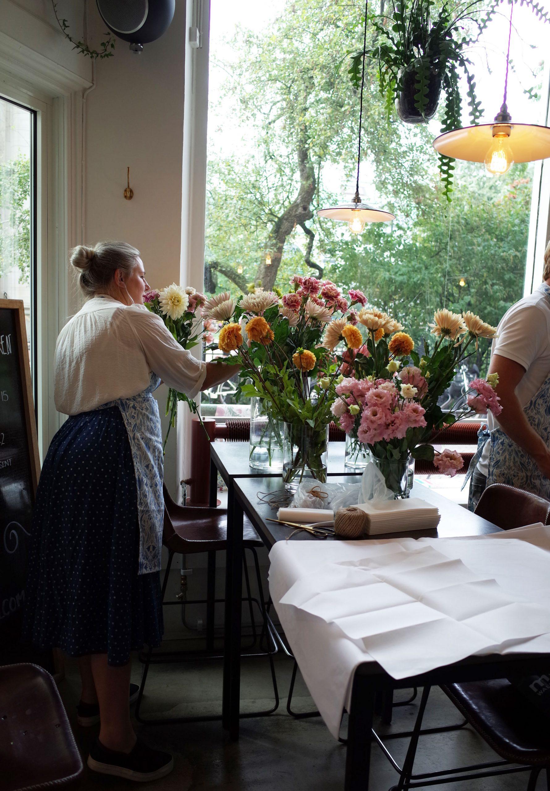 tapetfrukost-hanna-wendelbo-lansering-blomstermåla-midbec-tapeter