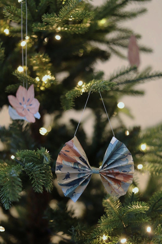 julpyssel vika julrosetter till granen A4 prov midbec tapeter